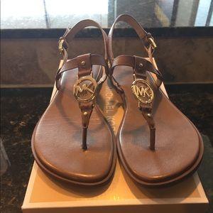 Michael Kors Sondra Sandal size 8.5 in Luggage